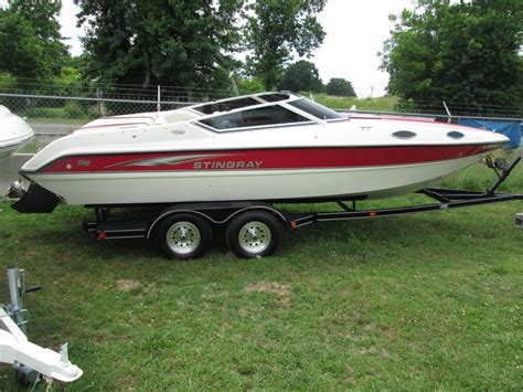 23 foot boat stingray 698zp 23 foot 1996 for sale for 1 boats from