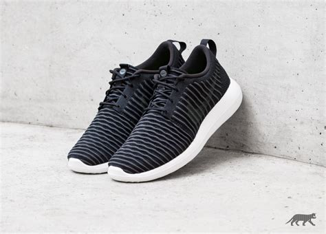 Nike Roshe Run Two White nike roshe two flyknit black grey white volt asphaltgold