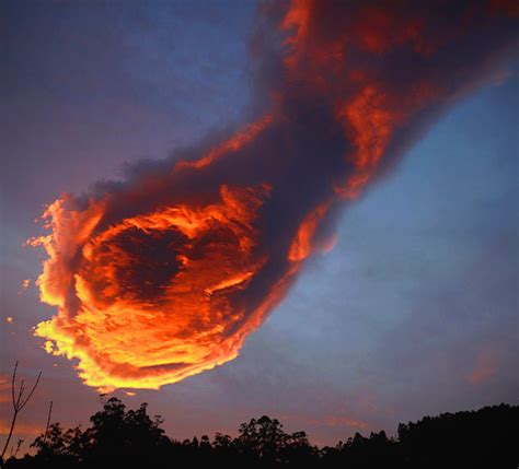 hand of god cloud bizarre cloud formation appears over portugal internet