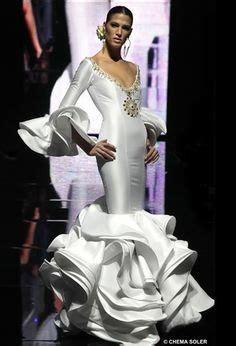 vestidos de novia de inspiraci 243 n rom 225 ntica trajes de flamenco on pinterest flamenco flamenco