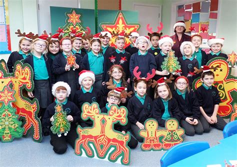 sainsbury s donates christmas decorations to local school