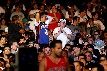 new york knicks fans ny knicks fans 5 places they should never get caught