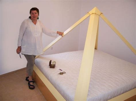 pyramid bed 34 best ideas about las mejores camas del mundo on pinterest hercules salud and antigua