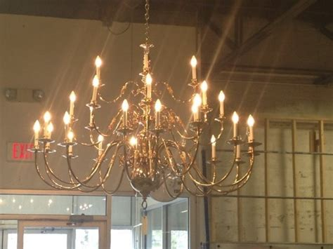 williamsburg brass chandelier williamsburg style brass chandelier diggerslist