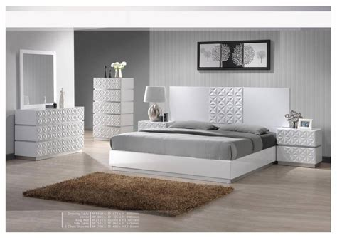 glossy bedroom furniture rooms