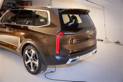 Kia Telluride For Sale by Kia Telluride Features School Looks And Health Focused