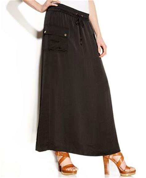 cargo skirts dressed up