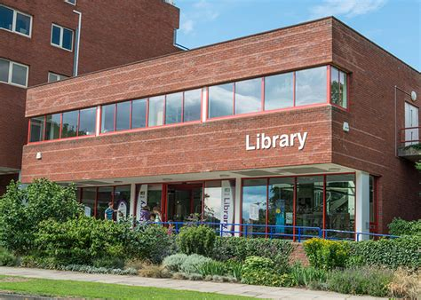 welwyn garden city central library hertfordshire county