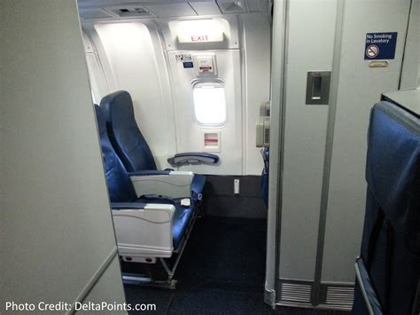 limited recline delta 767 300 domestic coach exit row 25 seat 3 delta