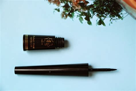 Eyeliner Viva Liquid til cantik nan irit coba 10 produk make up lokal