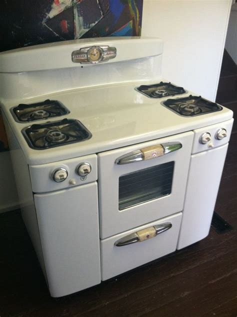 reproduction kitchen appliances top 25 ideas about vintage stoves on pinterest stove