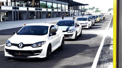 renault owners with safety autoworld my