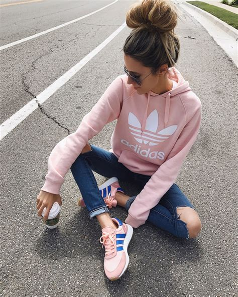 Jaket Vans Hello Black Jaket Sweater Vans Hello sweater hello fashion shoes top pink baby