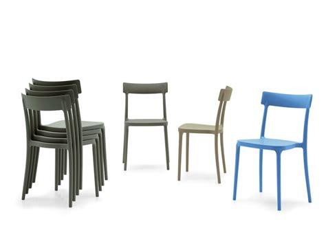 sedia plastica sedia in polipropilene impilabile argo di connubia calligaris