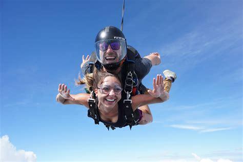 sky dive tandem skydiving raleigh nc skydive paraclete xp