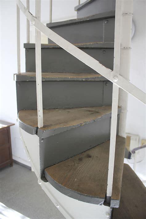 treppengel nder kaufen gartentisch ausziehbar holz gartenmobel tisch holz