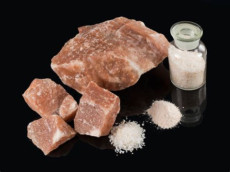 what is table salt made of himalayan salt
