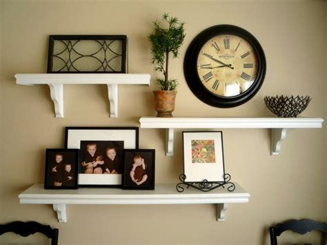 wall shelf decorating ideas 25 best ideas about floating shelf decor on pinterest