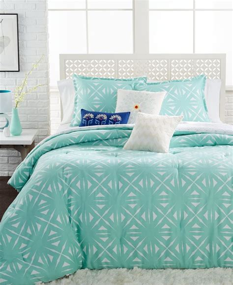 Aqua Comforters by 1000 Ideas About Aqua Bedding On Two Toned