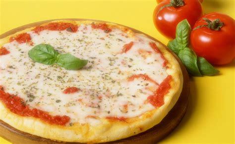 como se cocina la pizza foros 191 sabes como se prepara la aut 233 ntica pizza napolitana