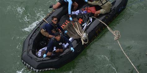 Karet Akan Naik naik kapal karet tim menyelam kembali cari pesawat airasia merdeka