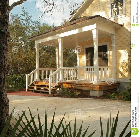 Hip Roof Colonial House Plans Front Porch Of Yellow House Stock Photo Image 38008470