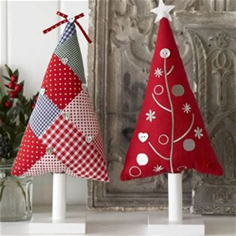 patchwork christmas trees make as hanging tree