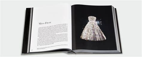 libro dior by dior the dior by christian dior una obra monumental escrita por olivier saillard y el primer libro de