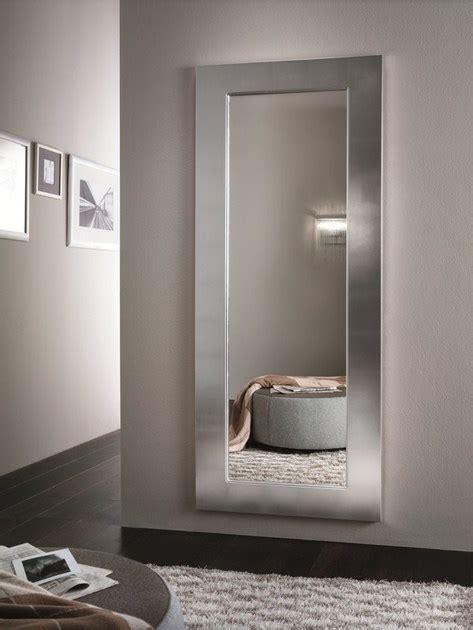 specchi grandi con cornice specchio a parete con cornice urania riflessi