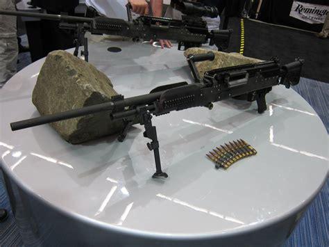 Monopod Senapan general dynamics perkenalkan senapan mesin baru lwmmg