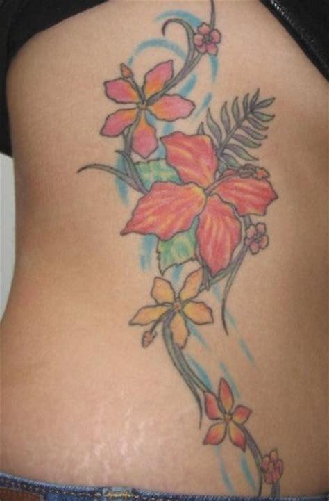 tatuaggi fiori di loto sul fianco 64 idee per tatuaggi sul fianco e sul costato