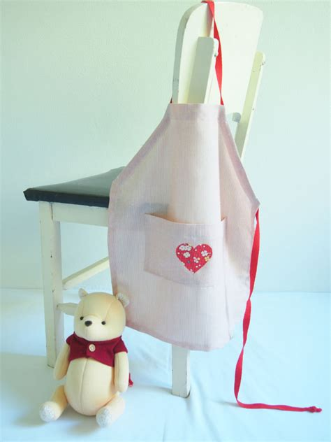 sewing pattern for apron say hello at skip to my lou free kids apron sewing