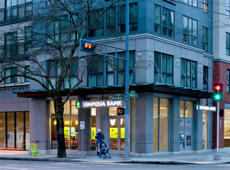 umpqua bank umpqua bank debuts next generation store model