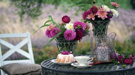 blumenvasen deko blumenvasen dekorieren schicke deko 70 westwing