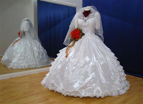 Brautkleid Gebraucht by Die Dargestellten Brautkleider Sind 252 Berwiegend