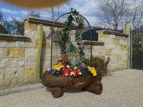 fioriere in legno con grigliato arredamento giardino fioriera grigliato