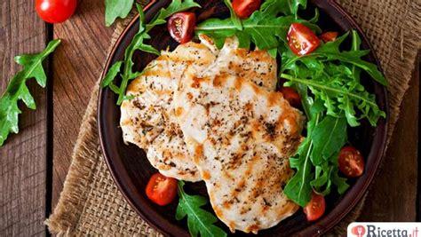 modi di cucinare il petto di pollo 3 modi diversi per cucinare il petto di pollo ricetta it