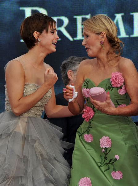 emma watson jk rowling emma watson at the harry potter and the deathly hallows