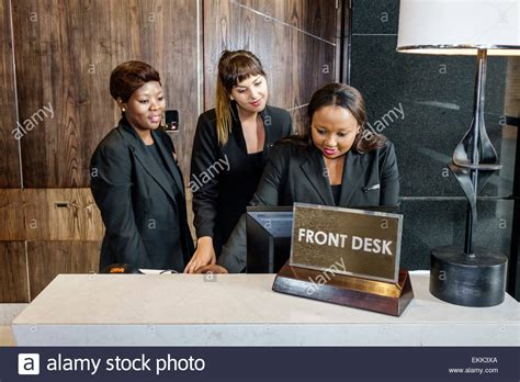 desk jobs that pay well working at a hotel front desk hostgarcia