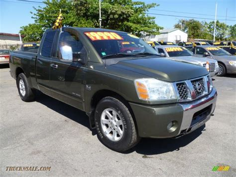 2004 nissan titan se king cab 2004 nissan titan se king cab in canteen green photo 11