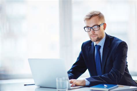 abbigliamento uomo ufficio gli errori di stile da non commettere in ufficio www