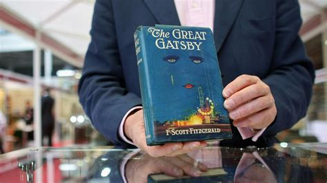 bird symbolism in the great gatsby what do the eyes of dr t j eckleburg symbolize