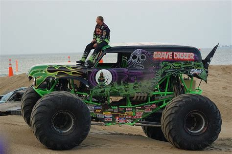 grave digger carolina truck pin by kindra duncan on carolina
