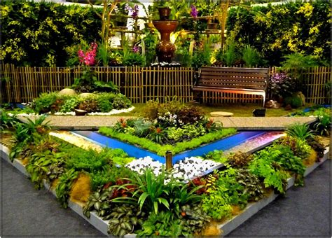 small garden ideas with aromatic herbs planting