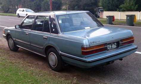 toyota crown file 1984 toyota crown royal saloon 2 8i rear left aus