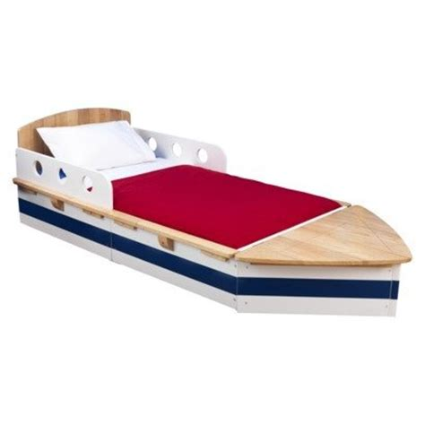 A Boat Shaped Bed Create An Experience With Decor Funk Size Boat Bed