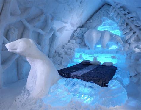theme hotel de glace h 244 tel de glace straight chillin at qu 233 bec city s ice hotel