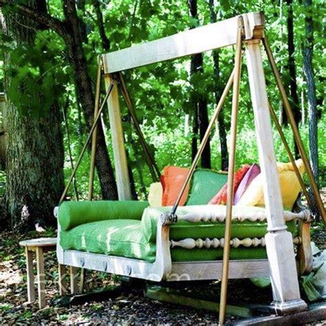 dondoli da terrazzo dondolo da giardino 20 idee per un dondolo design