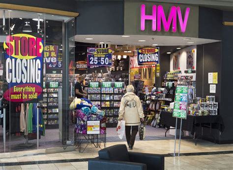 Canada Records Records To Move Into 70 Closing Hmv Locations Toronto