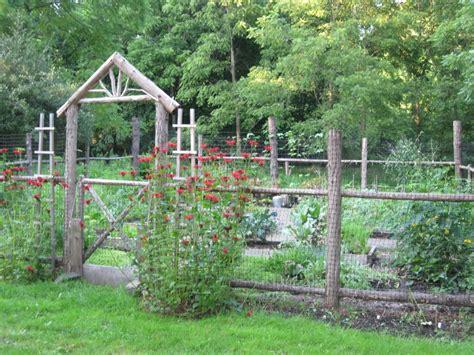 Cheap Garden Fencing Ideas How To Build A Kitchen Vegetable Garden Fence Ideas